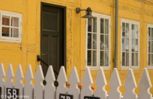 Typisch nordisch farbige Häuser